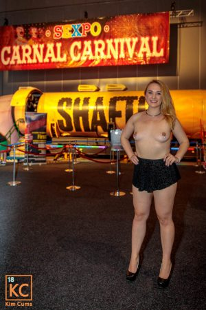 Sexpo Out and About Topless Shafter